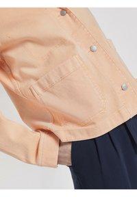 TOM TAILOR - COLORED TWILL - Denim jacket - peach blossom - 4