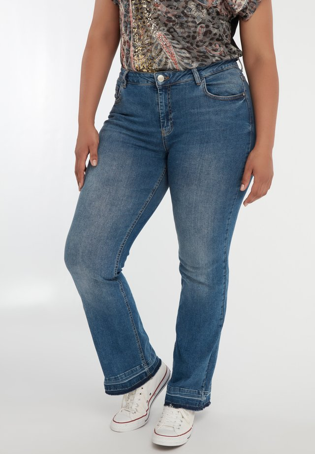 Bootcut jeans - blue