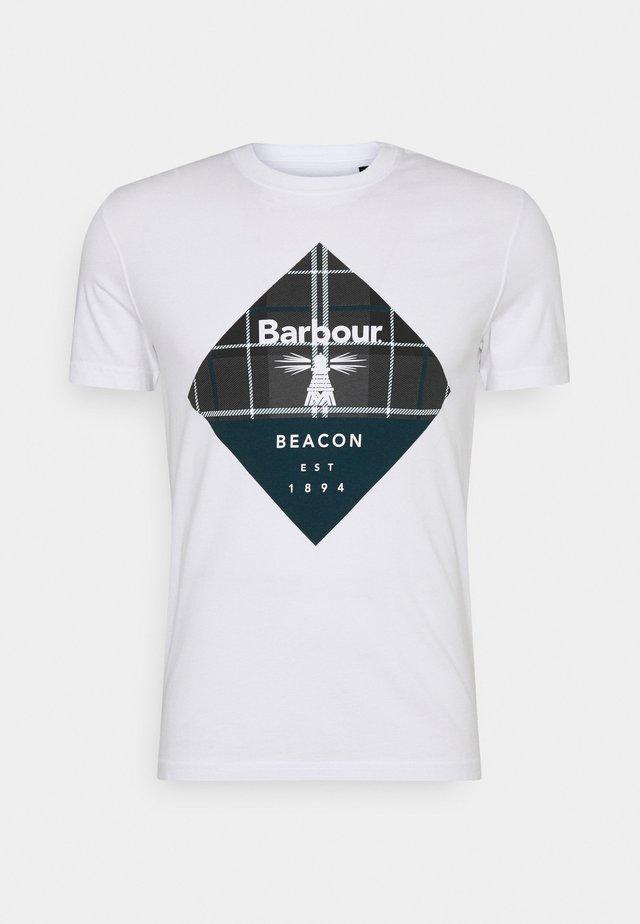 BECKER TEE - Print T-shirt - white