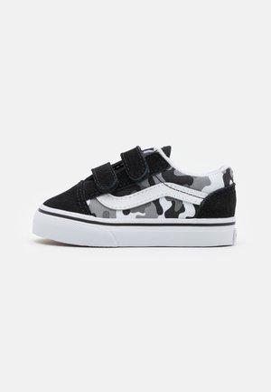 OLD SKOOL - Sneakers laag - black/true white