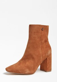 Guess - ADELIA - High heeled ankle boots - hellbraun