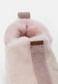 Shepherd - VIARED - Slippers - pink - 5