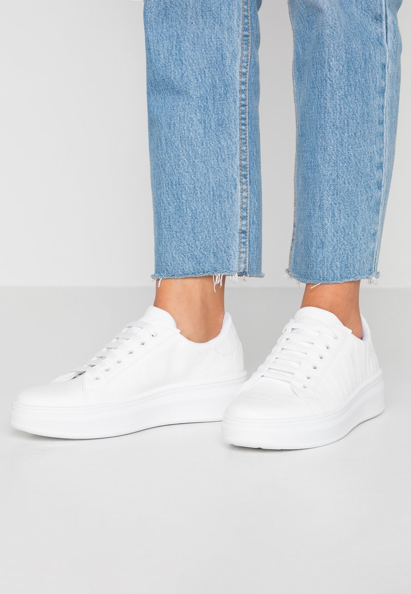 Topshop - CUBA TRAINER - Sneakers - white