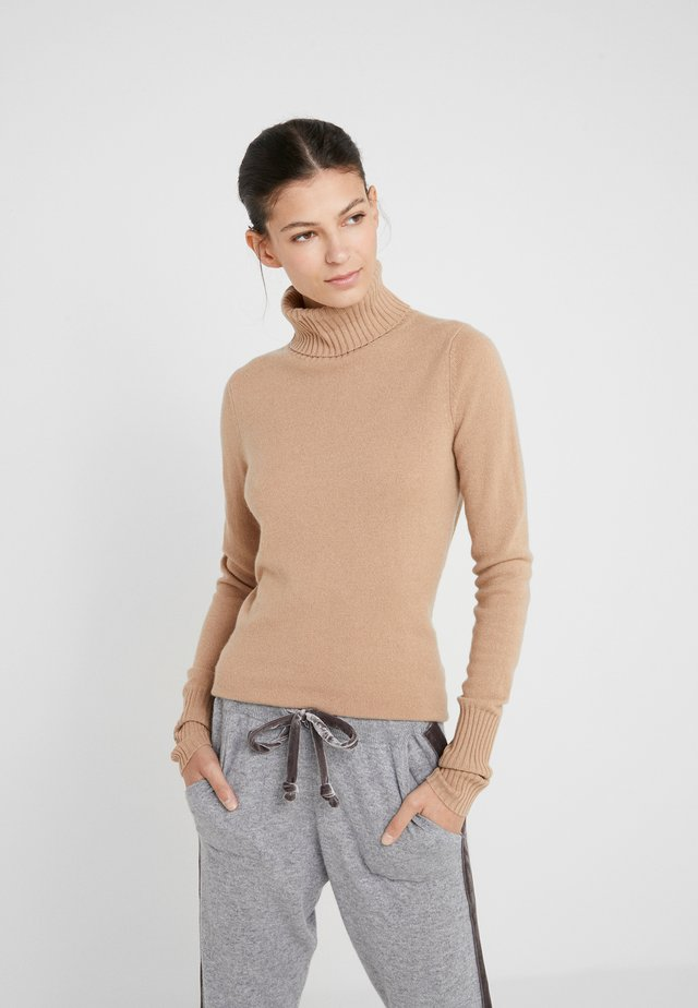 ROLLNECK - Strikkegenser - almond