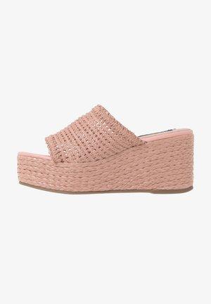 GUILT - Sandalias - pink blush