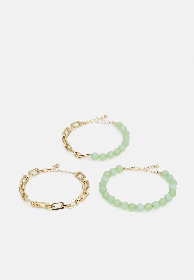 PCLENNA BRACELET 3 PACK - Armbånd - gold-coloured/green