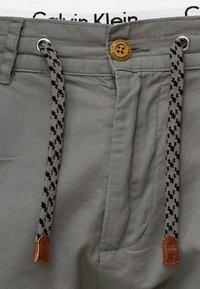 INDICODE JEANS - Shorts - iron - 3