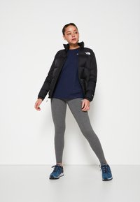 The North Face - W TISSAACK TEE  - Print T-shirt - aviator navy - 3