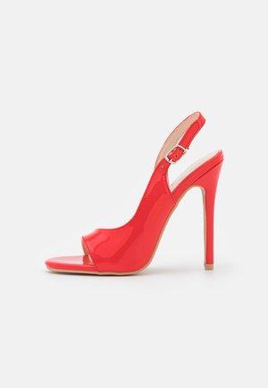 BRISA - Sandaler med høye hæler - red