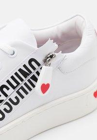 Love Moschino - Tenisky - bianco - 6