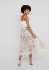 Needle & Thread - LILACS SMOCKED BALLERINA SKIRT - A-Linien-Rock - champagne - 2