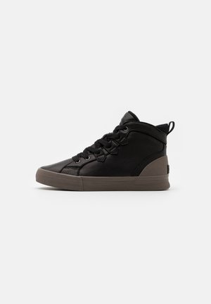 CARIBOU MID WP - Zapatillas altas - black