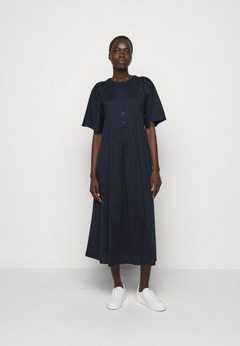 MERLOT - Žerzejové šaty - ultramarine