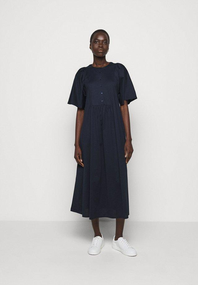 MERLOT - Robe en jersey - ultramarine