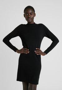 Object - OBJTHESS DRESS - Strikket kjole - black - 0
