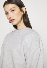Gina Tricot - BASIC SWEATER - Sweatshirt - light grey melange - 4