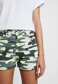 TWINTIP - Denim shorts - green - 4
