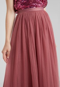 Needle & Thread - DOTTED MAXI SKIRT - Faltenrock - raspberry - 4