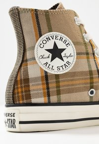 Converse - CHUCK TAYLOR ALL STAR - Baskets montantes - khaki/black/egret - 2