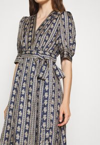 sandro - Day dress - beige/bleu - 6