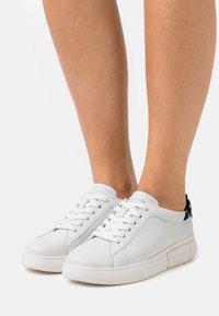 kate spade new york - LIFT - Tenisky - optik white/black/cream - 0