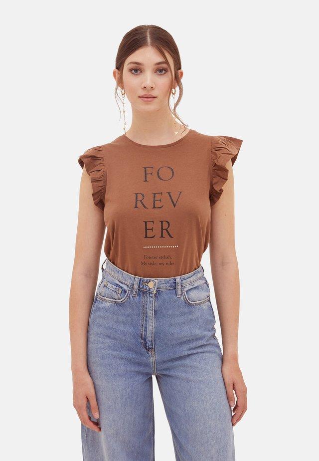 T-shirt con stampa - marrone