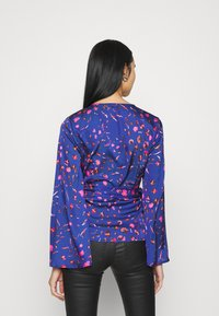 Never Fully Dressed - SPLICE FLORAL WRAP TOP - Blouse - multi - 2