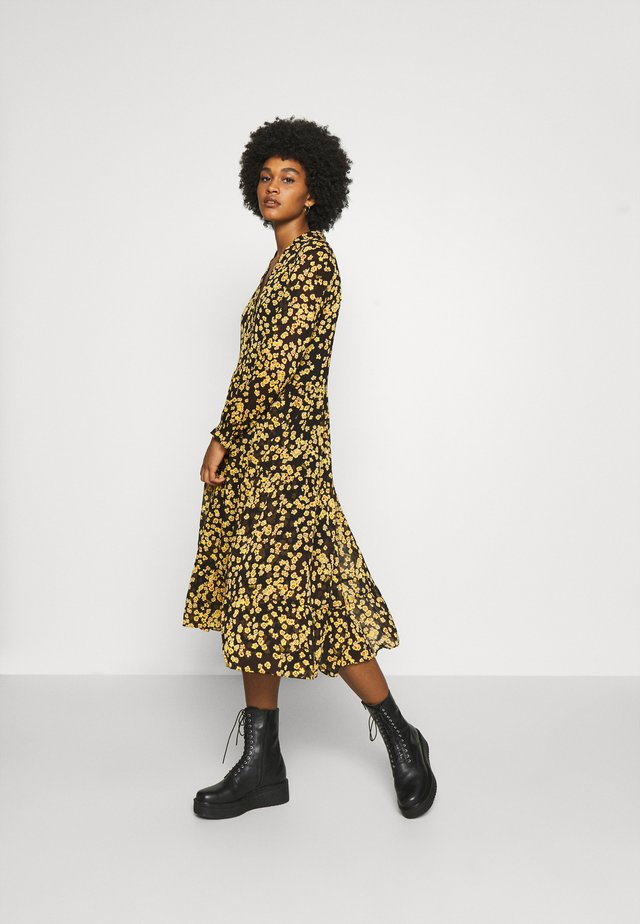 PRINTED MIDI SHIRT DRESS - Abito a camicia - black/yellow