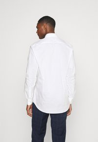 Tommy Hilfiger Tailored - SLIM FIT - Formal shirt - white - 2