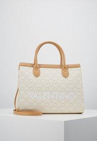 Valentino by Mario Valentino - LIUTO - Handbag - off white multi - 0