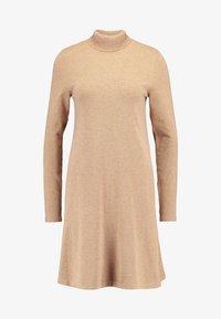 Vero Moda Tall - VMHAPPY ROLLNECK DRESS - Strikket kjole - tobacco brown - 3