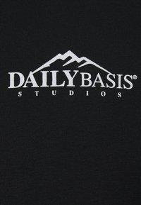 Daily Basis Studios - EXPLORER HOOD UNISEX - Hoodie - black - 2