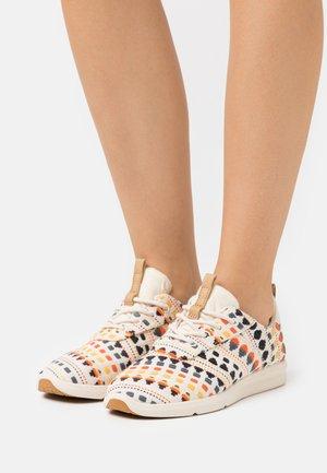 CABRILLO VEGAN - Sneakersy niskie - natural/multicolor