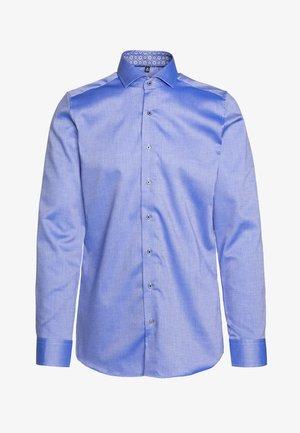 HAI-KRAGEN SLIM FIT - Kostymskjorta - royal