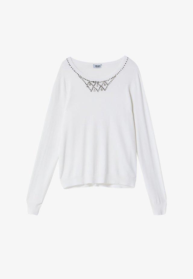 Strikpullover /Striktrøjer - white