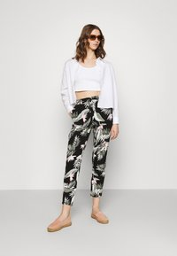 Vero Moda - Pantalones - black - 1