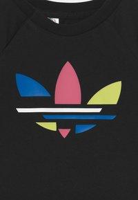adidas Originals - SHORT TEE SET UNISEX - T-shirt print - black - 3