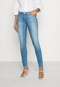 Tommy Jeans - SOPHIE - Skinny džíny - denim light - 0