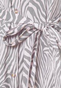 Banana Republic - FRONT MIDI SHIRTDRESS PRINT - Shirt dress - offwhite - 5
