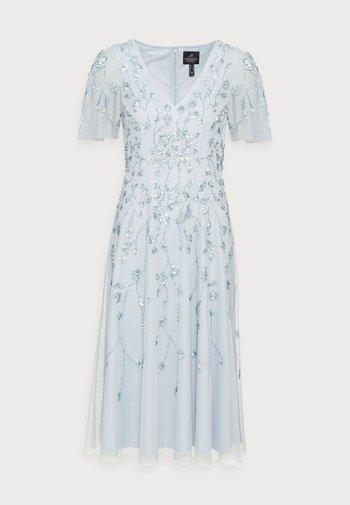 BEADED MIDI DRESS - Sukienka koktajlowa - glacier