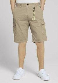 TOM TAILOR DENIM - Shorts - smoked beige - 0