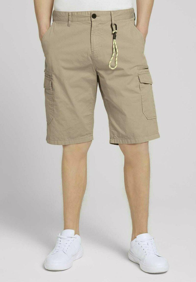 TOM TAILOR DENIM - Shorts - smoked beige