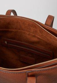 Steve Madden - BERICAA - Shoppingveske - cognac - 2
