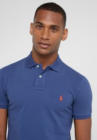 Polo Ralph Lauren - SLIM FIT MODEL  - Polo - light navy/red - 3