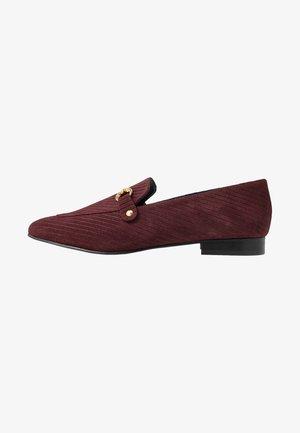 WIDE FIT BIABRENDA LOAFER - Nazouvací boty - burgundy