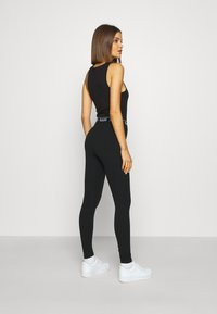 Hollister Co. - GRAPHIC - Legíny - black - 2