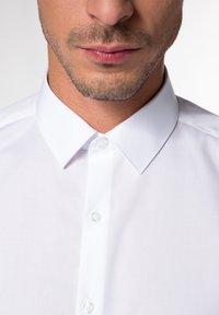 Eterna - UNI STRETCH SUPER SLIM - Kostymskjorta - white - 2