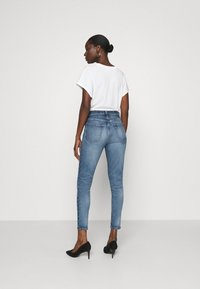 Ética - GISELLE ANKLE - Jeans Skinny Fit - emerald pools - 2