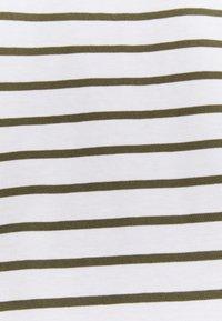 Anna Field - Print T-shirt - white / khaki - 2