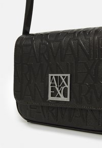 Armani Exchange - SMALL SHOULDER STRAP - Across body bag - nero - 5